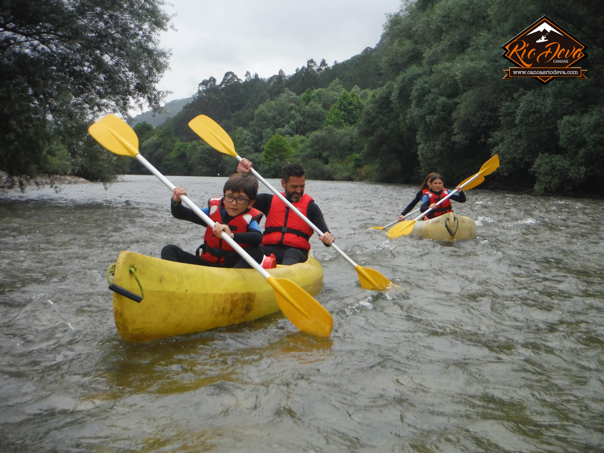 Descenso Canoas rio Deva